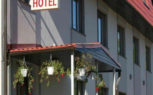 Riverside Hotel вид на фасад