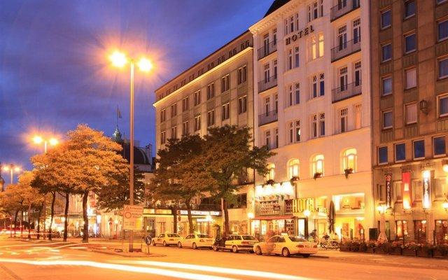 Отель Novum Hotel Kronprinz Hamburg Hauptbahnhof Германия, Гамбург - 2 отзыва об отеле, цены и фото номеров - забронировать отель Novum Hotel Kronprinz Hamburg Hauptbahnhof онлайн вид на фасад