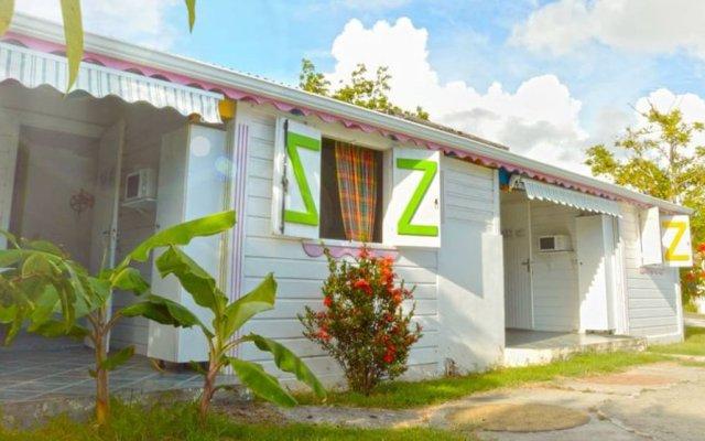 Отель La Berceuse Creole вид на фасад