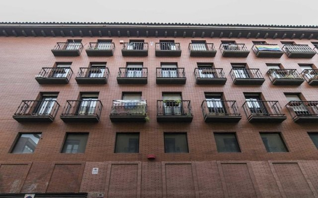 Отель Malasaña Residence by Allo Maisons вид на фасад