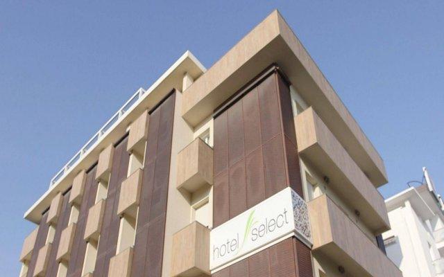 Отель Select Suites & Spa Риччоне вид на фасад