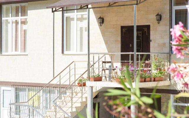 Гостиница Apartments12 в Сочи отзывы, цены и фото номеров - забронировать гостиницу Apartments12 онлайн вид на фасад