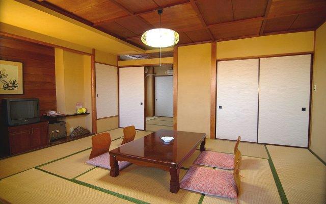 Отель Ryokufuen Япония, Ито - отзывы, цены и фото номеров - забронировать отель Ryokufuen онлайн комната для гостей