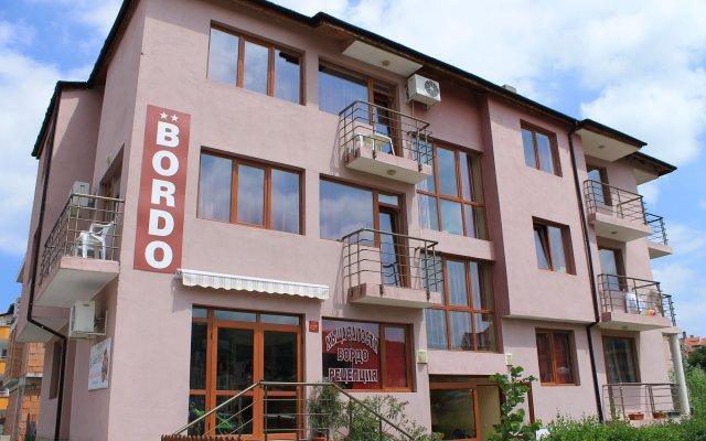 Family Hotel Bordo House вид на фасад