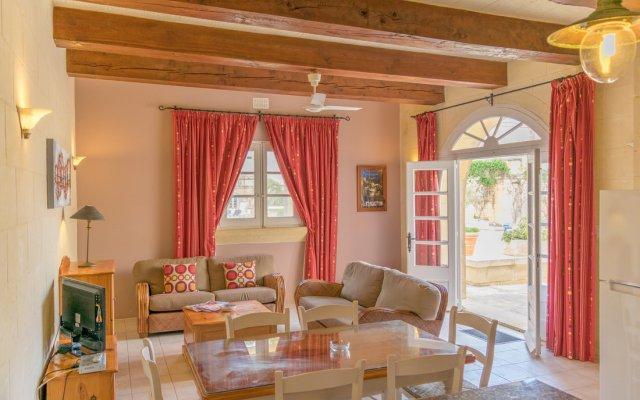 Отель Gozo Village Holidays Мальта, Гасри - отзывы, цены и фото номеров - забронировать отель Gozo Village Holidays онлайн комната для гостей
