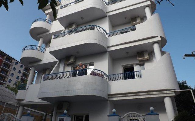 Гостиница Mini Hotel Konek в Анапе отзывы, цены и фото номеров - забронировать гостиницу Mini Hotel Konek онлайн Анапа вид на фасад