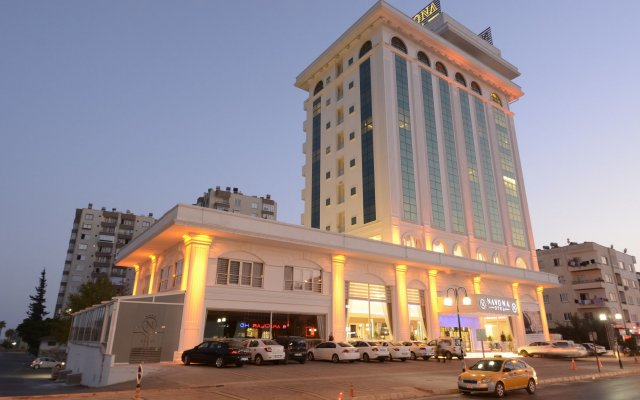 Navona Hotel вид на фасад