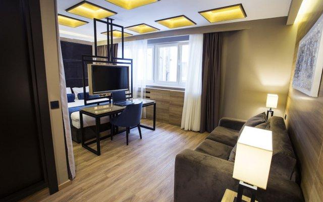 Отель Eden Garden Suites Белград комната для гостей