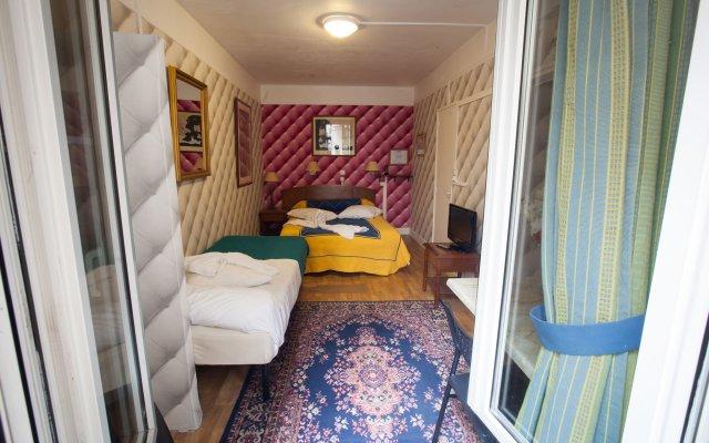 Hotel Aviatic комната для гостей