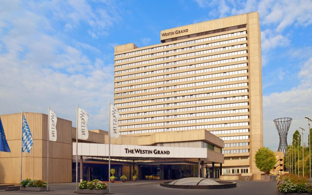 Отель The Westin Grand Munich вид на фасад