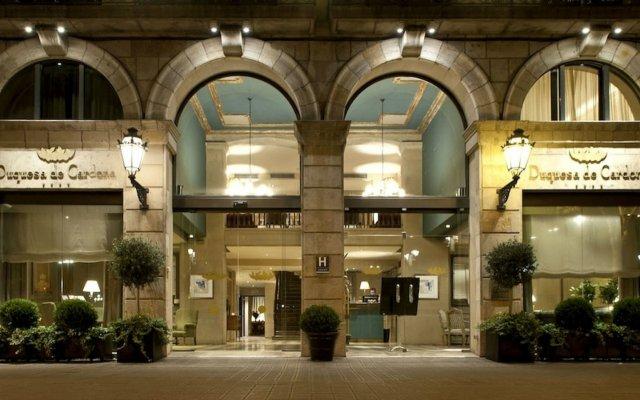 Отель Duquesa De Cardona Испания, Барселона - 9 отзывов об отеле, цены и фото номеров - забронировать отель Duquesa De Cardona онлайн вид на фасад