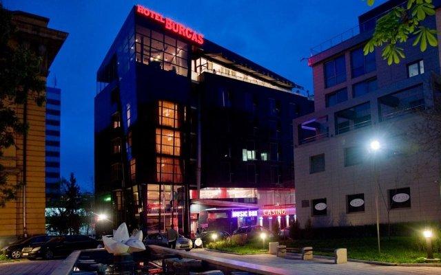 Отель Bulgaria Bourgas Болгария, Бургас - 1 отзыв об отеле, цены и фото номеров - забронировать отель Bulgaria Bourgas онлайн вид на фасад