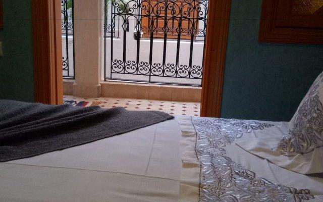 Отель Riad Majdoulina Марокко, Марракеш - отзывы, цены и фото номеров - забронировать отель Riad Majdoulina онлайн вид на фасад