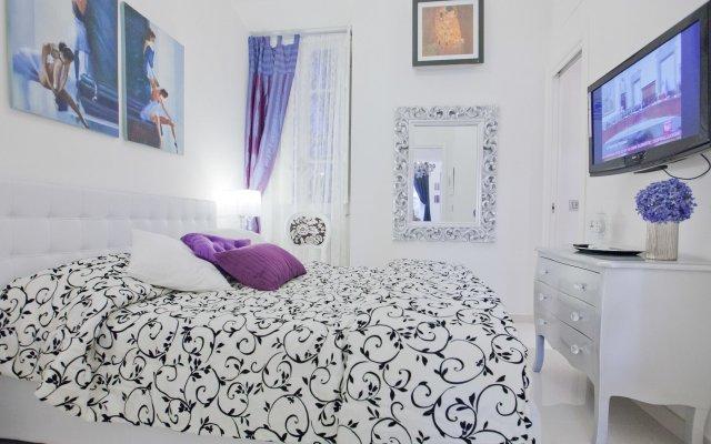 Отель Rental In Rome Parma комната для гостей