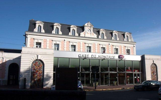 Отель Aitana Испания, Ирун - отзывы, цены и фото номеров - забронировать отель Aitana онлайн вид на фасад