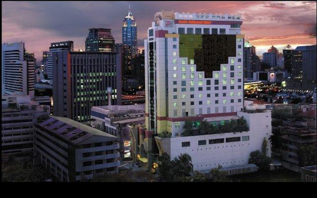 Отель Zenith Sukhumvit Hotel, Bangkok Таиланд, Бангкок - отзывы, цены и фото номеров - забронировать отель Zenith Sukhumvit Hotel, Bangkok онлайн вид на фасад