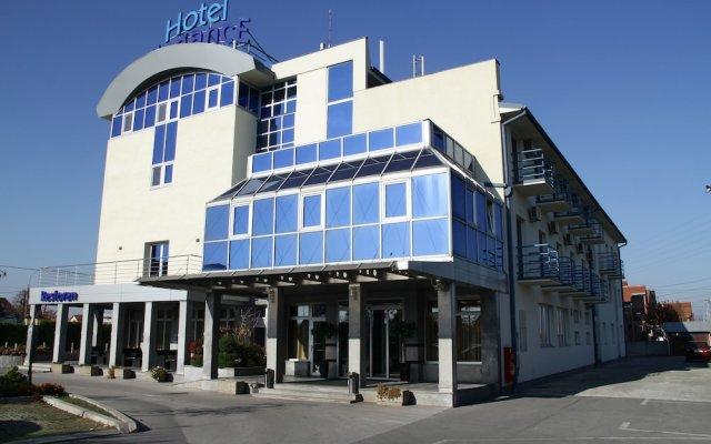 Отель Elegance Hotel Сербия, Белград - отзывы, цены и фото номеров - забронировать отель Elegance Hotel онлайн вид на фасад