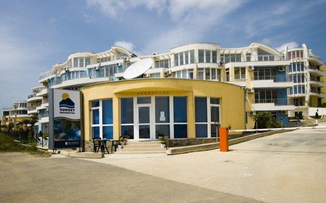 Отель Sunset Complex Болгария, Кошарица - отзывы, цены и фото номеров - забронировать отель Sunset Complex онлайн вид на фасад