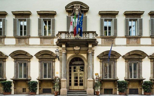 Отель Relais Santa Croce by Baglioni Hotels Италия, Флоренция - отзывы, цены и фото номеров - забронировать отель Relais Santa Croce by Baglioni Hotels онлайн вид на фасад