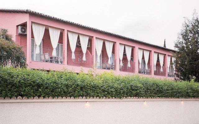 Отель Spiti Prifti вид на фасад