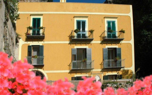 Отель LArgine Fiorito Италия, Атрани - отзывы, цены и фото номеров - забронировать отель LArgine Fiorito онлайн вид на фасад