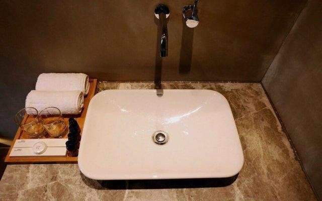 Отель Jingyuetai Hotel Beijing Китай, Пекин - отзывы, цены и фото номеров - забронировать отель Jingyuetai Hotel Beijing онлайн ванная