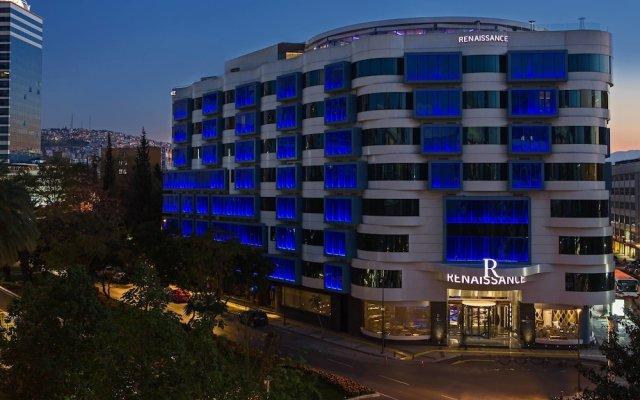 Renaissance Izmir Hotel вид на фасад