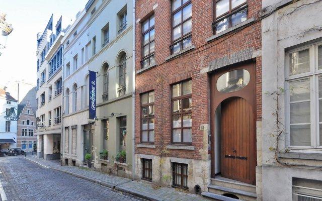 Отель Be And Be Sablon 5 Брюссель вид на фасад