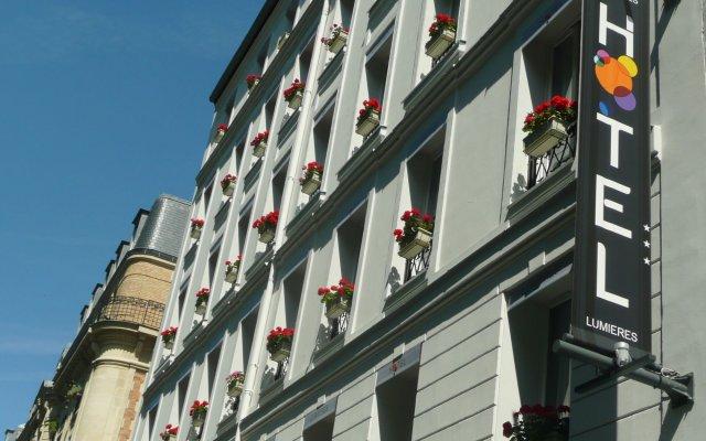 Hotel Lumieres Montmartre вид на фасад
