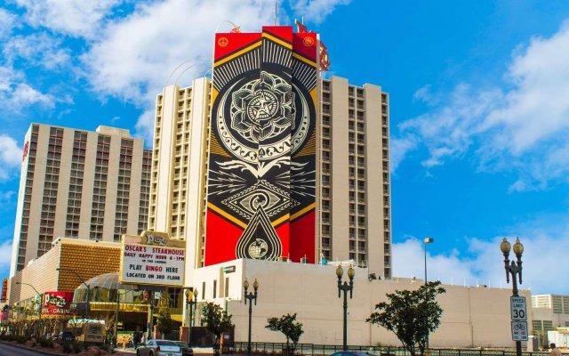 Отель Plaza Hotel & Casino США, Лас-Вегас - 1 отзыв об отеле, цены и фото номеров - забронировать отель Plaza Hotel & Casino онлайн вид на фасад
