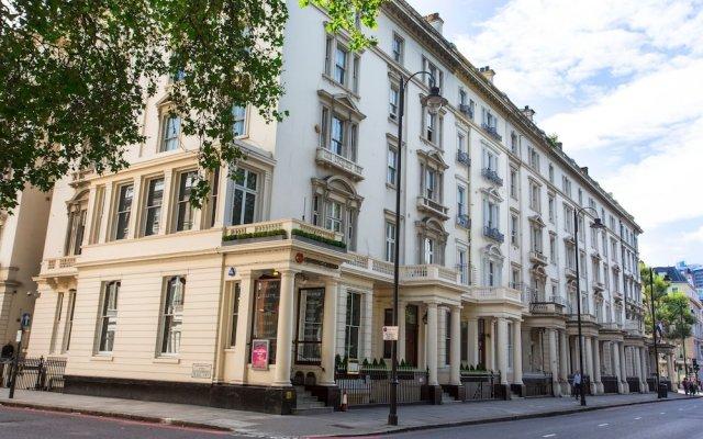 Отель Kensington Executives вид на фасад