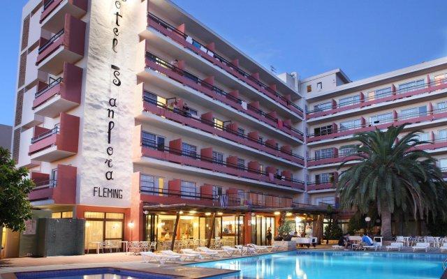 Отель azuLine Hotel S'Anfora & Fleming Испания, Сан-Антони-де-Портмань - отзывы, цены и фото номеров - забронировать отель azuLine Hotel S'Anfora & Fleming онлайн вид на фасад