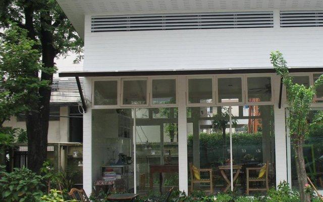 Отель Thanaree Place Таиланд, Бангкок - отзывы, цены и фото номеров - забронировать отель Thanaree Place онлайн вид на фасад