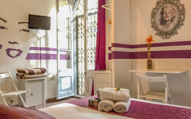 Отель La Isla Hostal Испания, Барселона - 1 отзыв об отеле, цены и фото номеров - забронировать отель La Isla Hostal онлайн комната для гостей