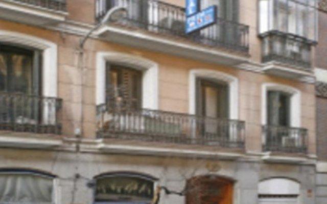 Отель Hostal Prim Мадрид вид на фасад
