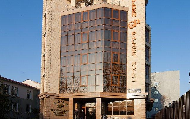Гостиница Golden Palace вид на фасад