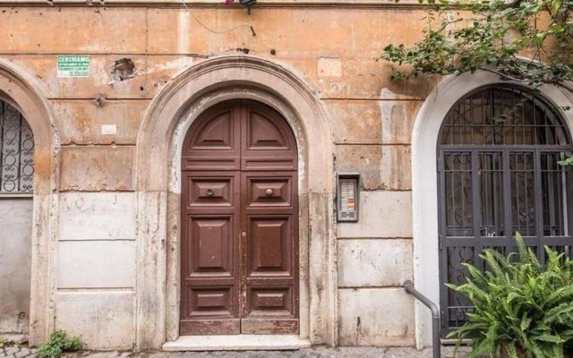 Апартаменты Trastevere budget studio вид на фасад