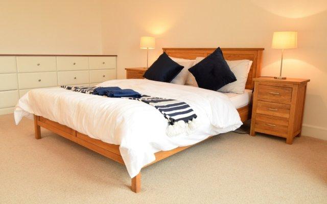 Отель 2 Bedroom Flat in Canary Wharf With Balcony Великобритания, Лондон - отзывы, цены и фото номеров - забронировать отель 2 Bedroom Flat in Canary Wharf With Balcony онлайн вид на фасад