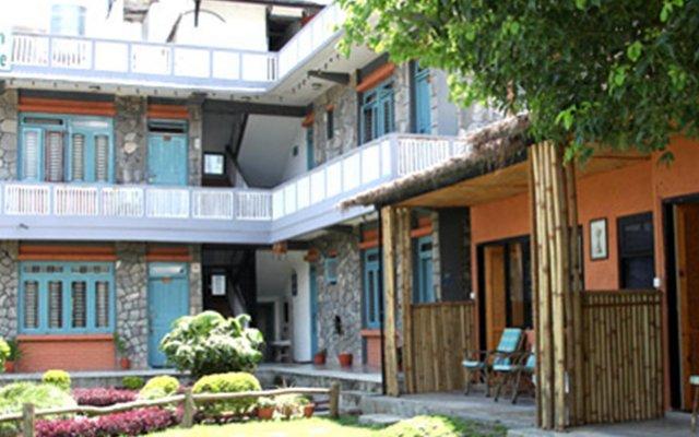 Отель Himalayan Guest House Непал, Покхара - отзывы, цены и фото номеров - забронировать отель Himalayan Guest House онлайн вид на фасад