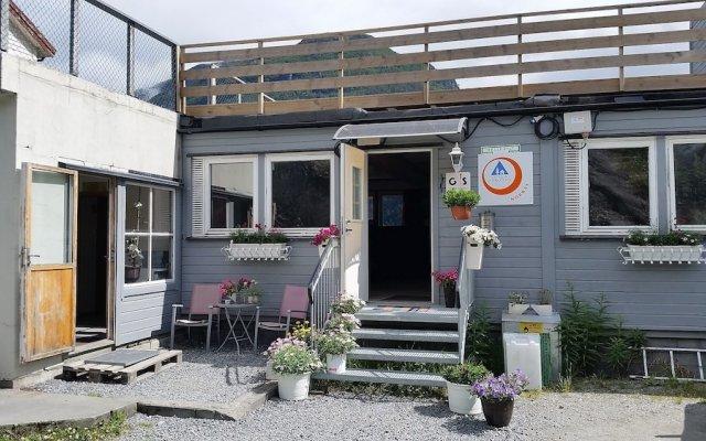 Отель Hellesylt Motel og hostel Норвегия, Странда - отзывы, цены и фото номеров - забронировать отель Hellesylt Motel og hostel онлайн вид на фасад