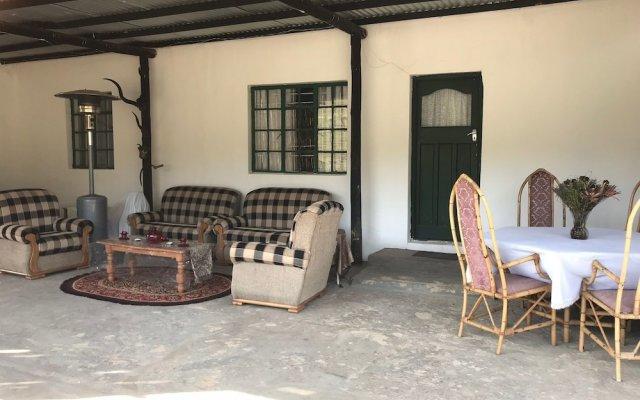 Отель Kromrivier Farm Stays вид на фасад
