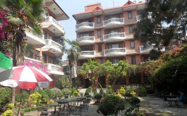 Отель Nirvana Garden Hotel Непал, Катманду - отзывы, цены и фото номеров - забронировать отель Nirvana Garden Hotel онлайн вид на фасад