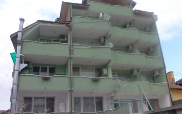 Отель Zlatna Kotva - Andi Аврен вид на фасад