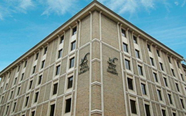 Отель Liabeny Испания, Мадрид - 4 отзыва об отеле, цены и фото номеров - забронировать отель Liabeny онлайн вид на фасад