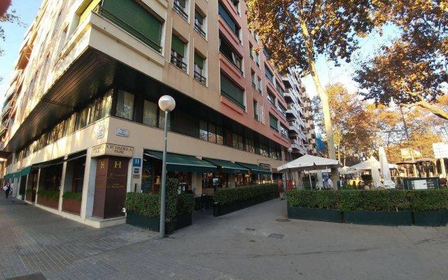 Отель La Ciudadela вид на фасад