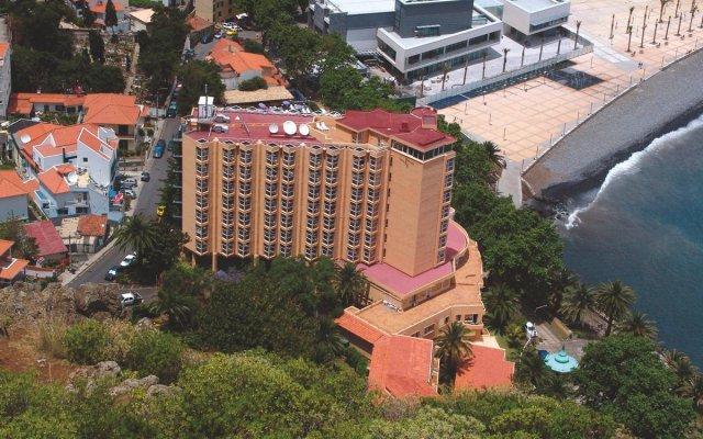 Отель Dom Pedro Madeira Машику вид на фасад