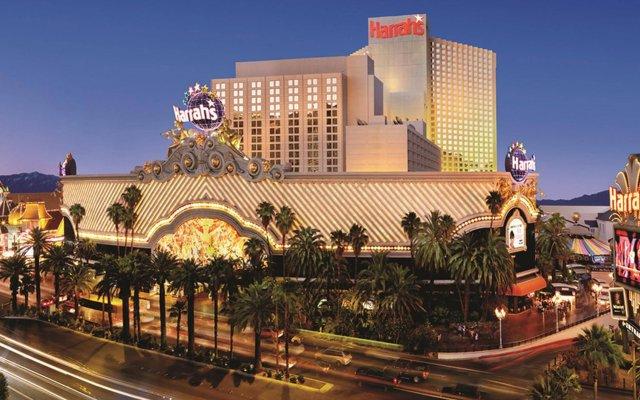 Отель Harrahs Las Vegas США, Лас-Вегас - отзывы, цены и фото номеров - забронировать отель Harrahs Las Vegas онлайн вид на фасад