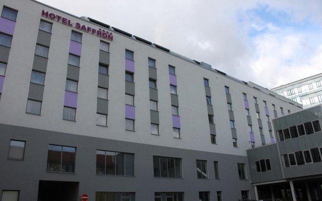 Hotel Saffron вид на фасад