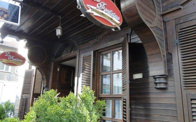 Отель La Fontaine Butik Otel Армутлу вид на фасад