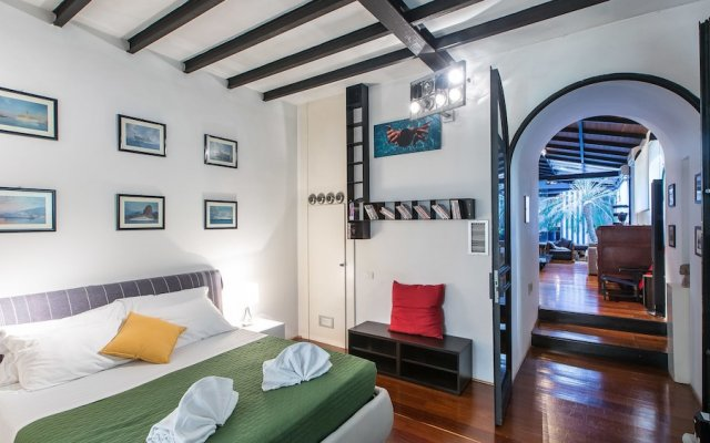 Отель Rental In Rome Riari Garden Luxury вид на фасад